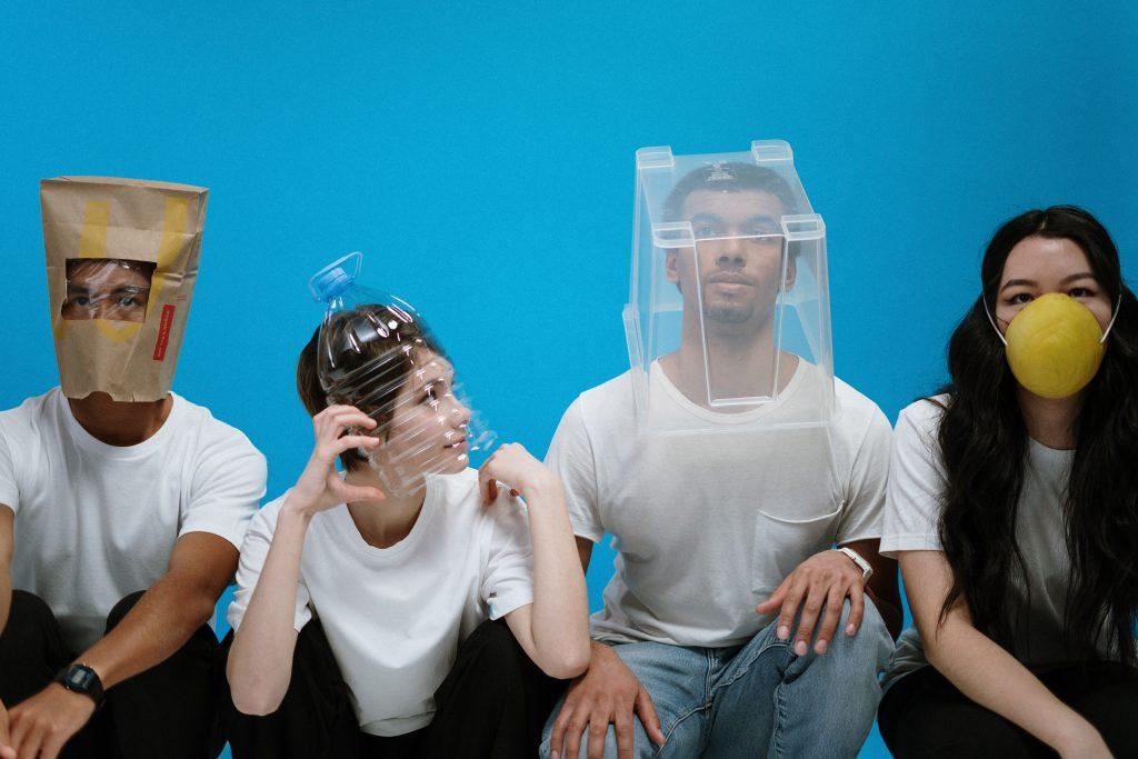 Verrückte Arten der Mund-Nasen-Bedeckung